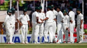 910b8100feb697f5a80bd9757a8bf4bc-Shakib-reacts-with-teammates-afte-he-taken-Butt-wicket-2