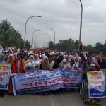 কুমিল্লার হোমনায় যৌন হয়রানির অভিযোগে প্রধান শিক্ষকের বিরুদ্ধে ছাত্রীদের মানববন্ধন