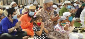 যথাযোগ্য মর্যাদায় সারাদেশে পবিত্র ঈদুল ফিতর উদযাপন